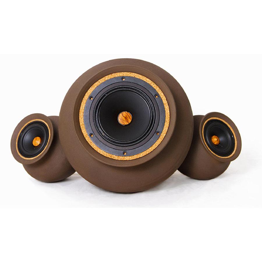 Ceramics casse acustiche in terracotta del designer cileno pablo ocqueteau - Casse acustiche design ...