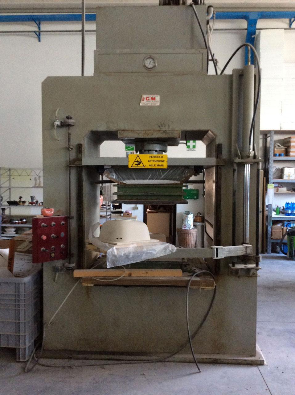 Ceramics pressa idraulica 100 tonnellate cm for Pressa usata per officina