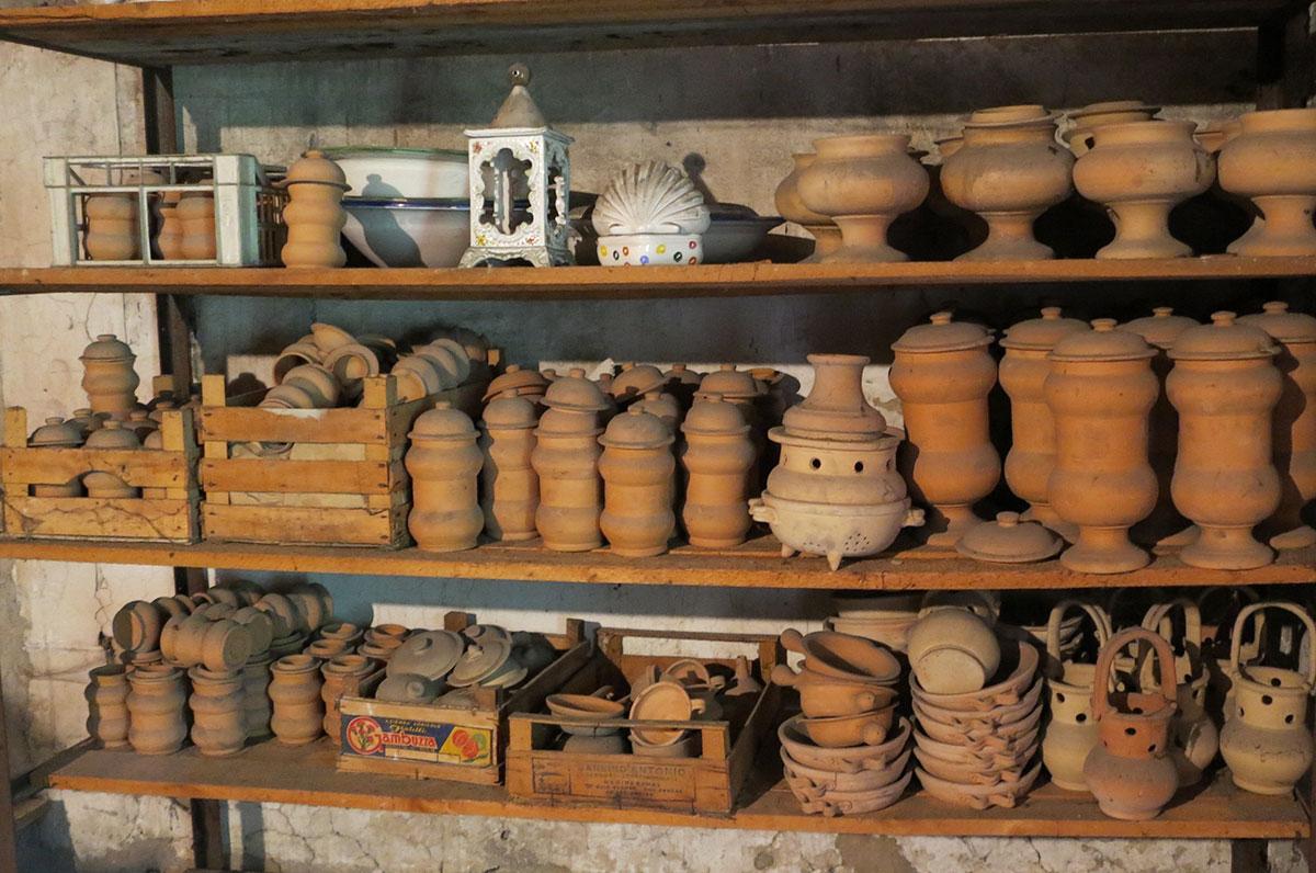 Ceramics vasi farmacia in terracotta semilavorato for Vasi in terracotta on line